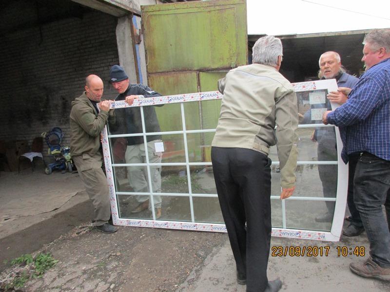 Endlich angekommen: Die Hilfsgüter kommen ins Lager unseres Partnervereins in Brest