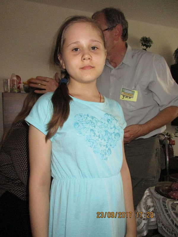 Polina ist die neu erkrankte Tochter der Familie Kalenik in Berjosa.
