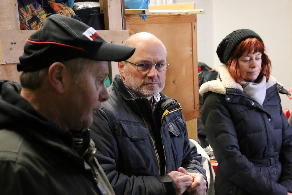 Vereinsmitglied Thomas Müller hält die traditionelle kleine Ansprache und erbittet für die Tour Gottes Segen