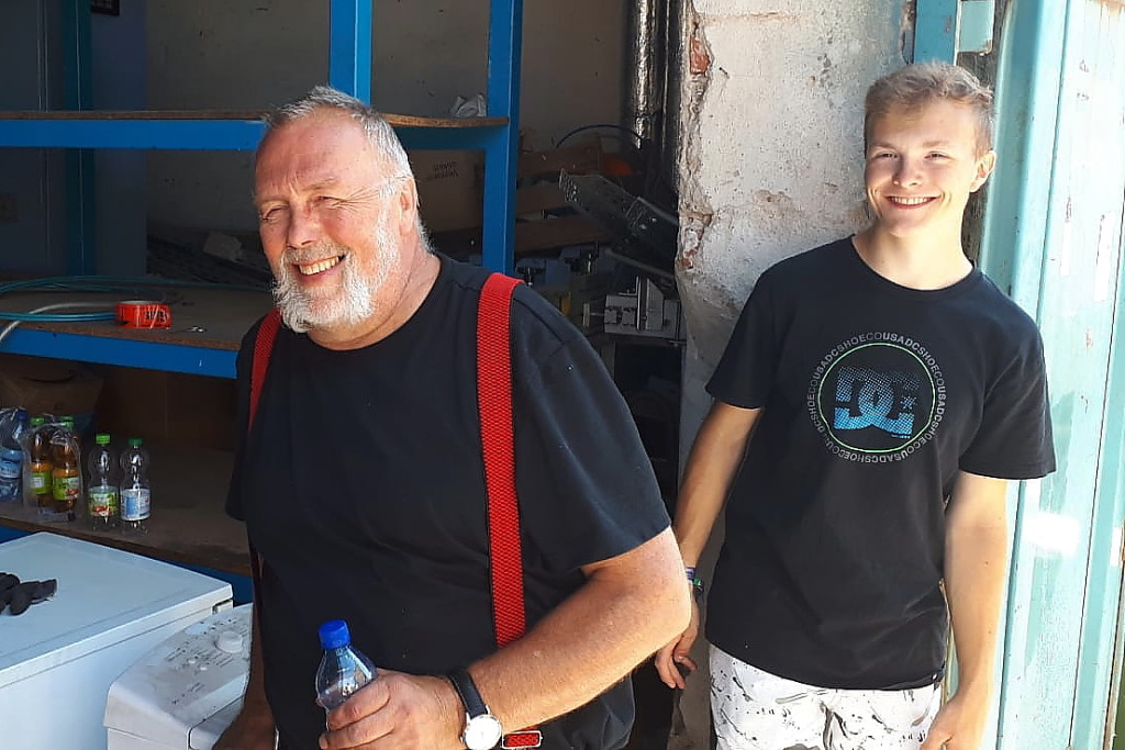 Vater Friedemann und Sohn Matthies Schatz gehören zum harten Kern der Möbelpacker.