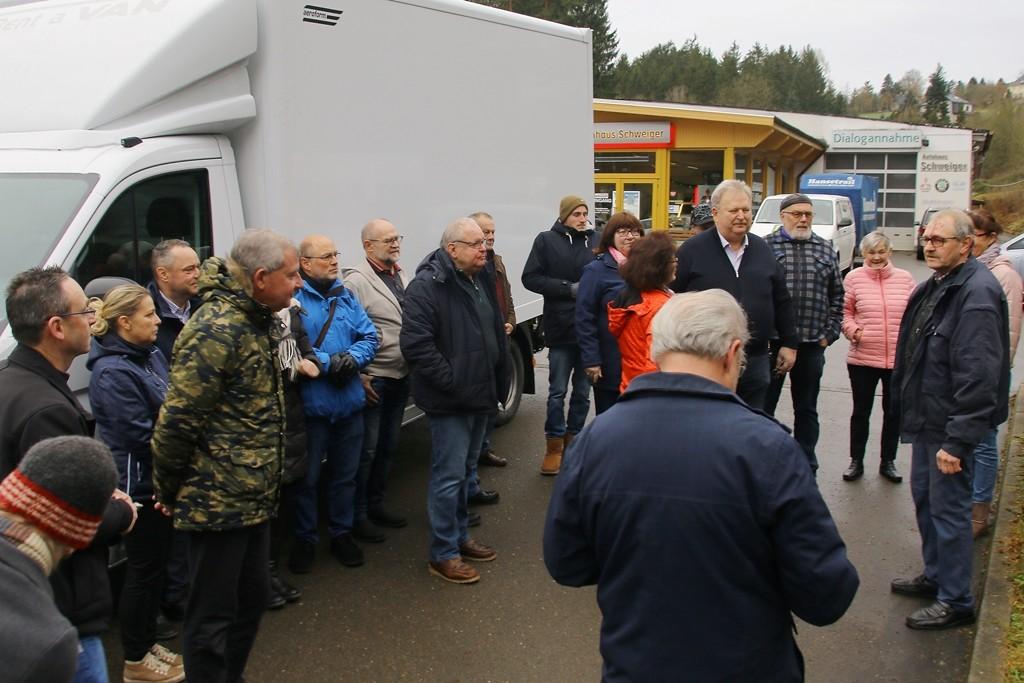"""Uli Jetschke, Vereinsvorsitzender und """"Seele von allem"""" gibt noch ein paar Hinweise für die Fahrt"""
